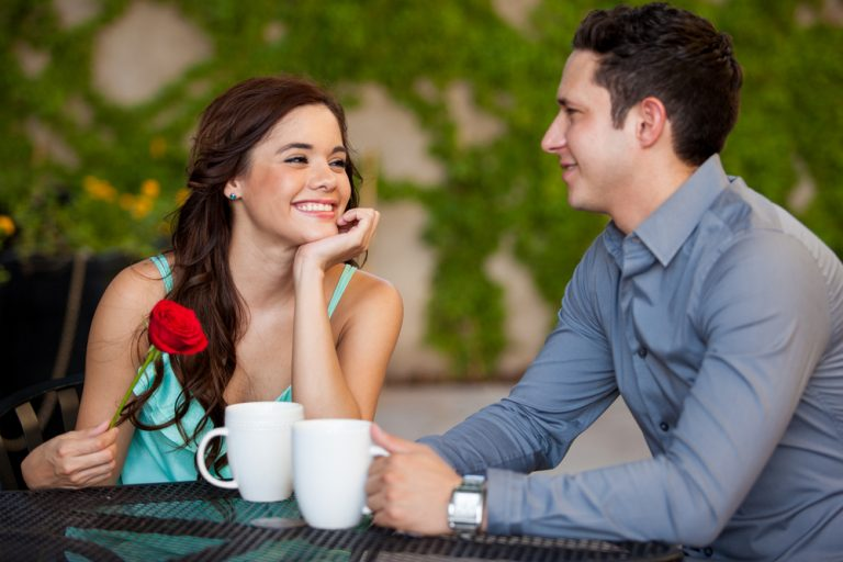 Five Online Dating Communication Tips For Starting A Healthy Relationship